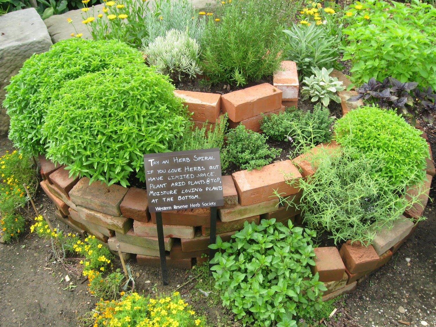 Create a Stunning Permaculture Garden | Country Green Living on Backyard Permaculture Design id=47525